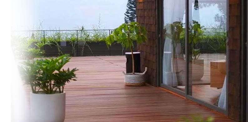decking kayu terpasang
