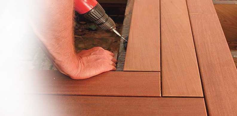 pemasangan decking kayu