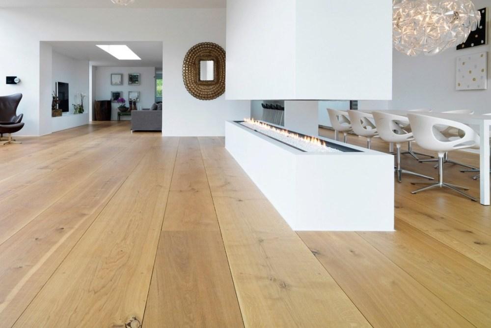 lantai kayu untuk pijakan anak tangga
