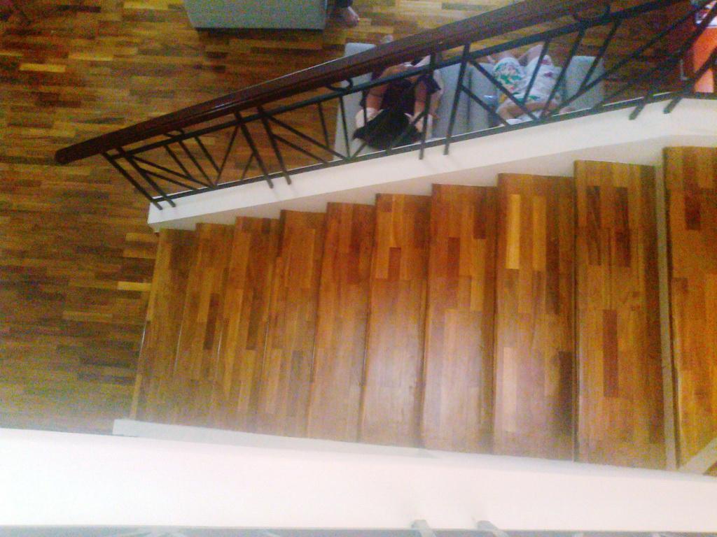 pijakan anak tangga